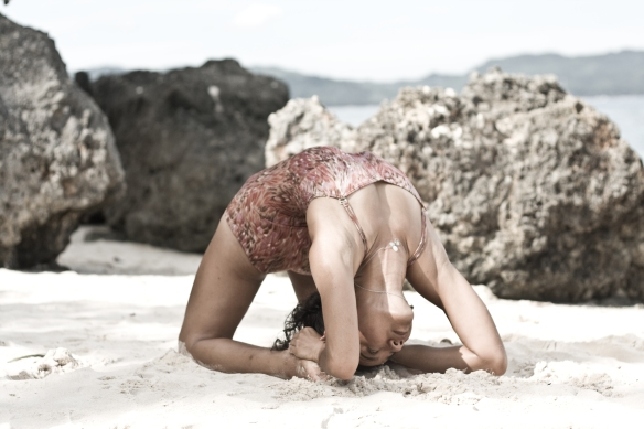 Kapotasana. Photo by Denise Tolentino